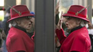 Τέλος οι πλαστικές για την Τζέιν Φόντα: Δεν κόβω άλλο τον εαυτό μου