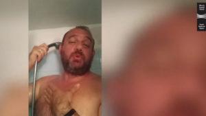 Οι τραγουδιστές της Λυρικής μένουν σπίτι αλλά τραγουδούν ακόμη και… από το μπάνιο