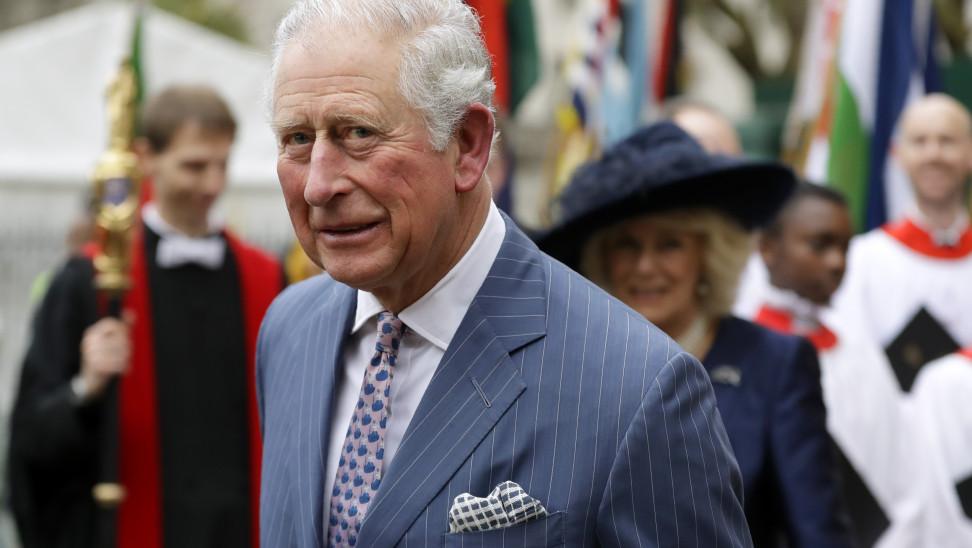 Εργαζόμενος λιποθύμησε μπροστά στον πρίγκιπα Κάρολο - Η αντίδρασή του