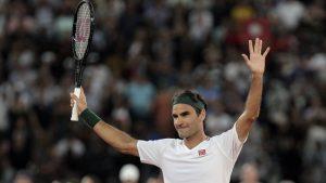 Η έκπληξη του Φέντερερ σε 2 μικρές Ιταλίδες που έπαιζαν τένις στις ταράτσες τους
