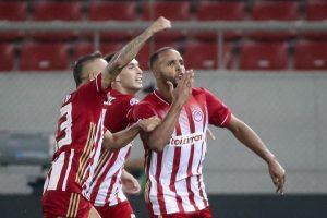 «Αγκαλιά» με τους ομίλους ο Ολυμπιακός, 2-0 την Ομόνοια – News.gr