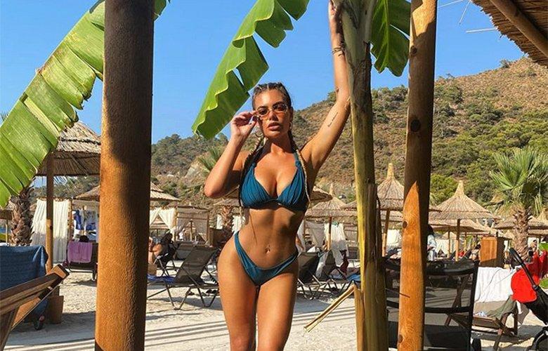 Η Megan Barton-Hanson ποζάρει με μαγιό και εσώρουχα τρελαίνοντας το Instagram – News.gr