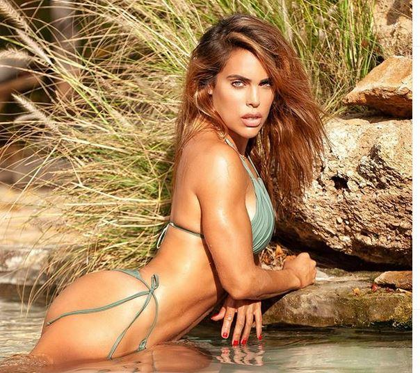Η σέξι Κοράλες με το θανατηφόρο κορμί και το λάγνο βλέμμα – News.gr