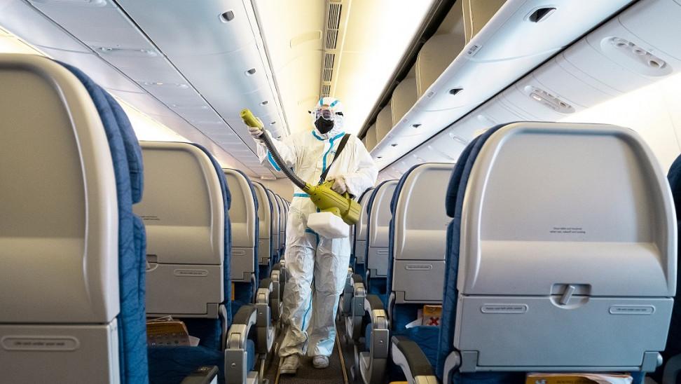 Ποια είναι τα πιο βρώμικα σημεία σε αεροπλάνο-Αεροσυνοδός δίνει συμβουλές