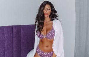 Η Άννα Λορένη σε άκρως προκλητικές πόζες με σέξι μαγιό και εσώρουχα – News.gr
