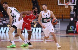 «Άλωσε» το ΣΕΦ ο Παναθηναϊκός, 88-77 τον Ολυμπιακό – News.gr