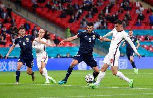 «Καμπανάκι» κινδύνου για τη χαλάρωση περιορισμών στο Euro 2020 – News.gr